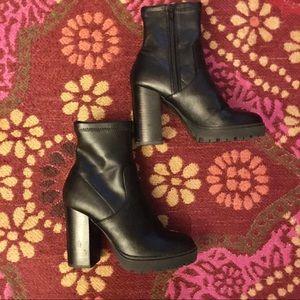 Steve Madden Boots- Like New